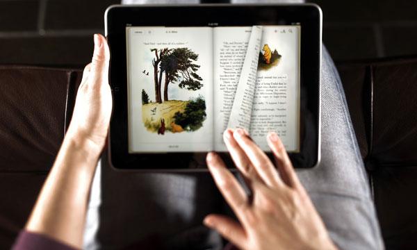 Leer en el iPad antes de dormir produce insomnio